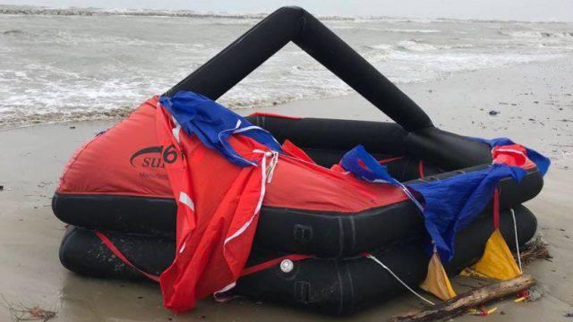 Zattere di salvataggio spiaggiate, ecco da dove venivano