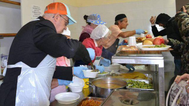 Domenica il pranzo di Natale in Caritas per 200 persone