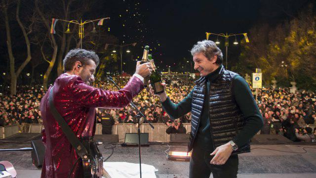 La spesa per il Concerto di Capodanno in piazzale Fellini