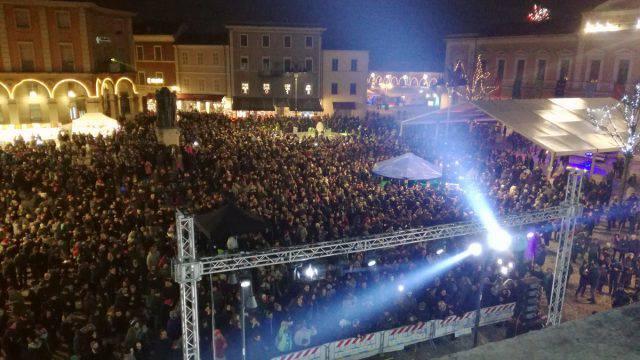 A Santarcangelo Frankie hi-nrg riempie la piazza