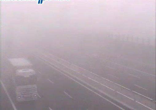 Nebbia in Romagna. Visibilità ridotta in A14
