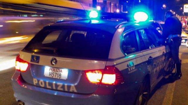 CFurto a coppia nella notte a Marina centro, tre arrestinti