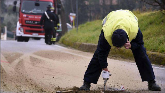 Frana il manto stradale, danneggiata tubatura gas a Poggio Torriana