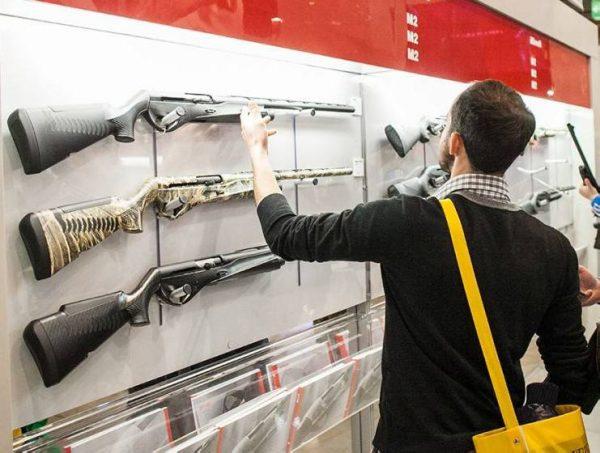 Fiera armi a Vicenza. Comune di Rimini a IEG: attenzione al messaggio