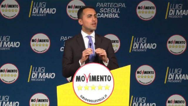 Di Maio a Bellaria lancia i tagli degli stipendi dei parlamentari. Nessun riferimento alla vicenda Sarti, assente.