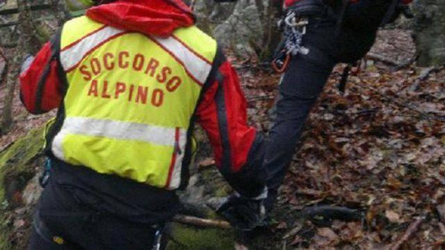 Cade in un dirupo, ciclista muore a San Leo