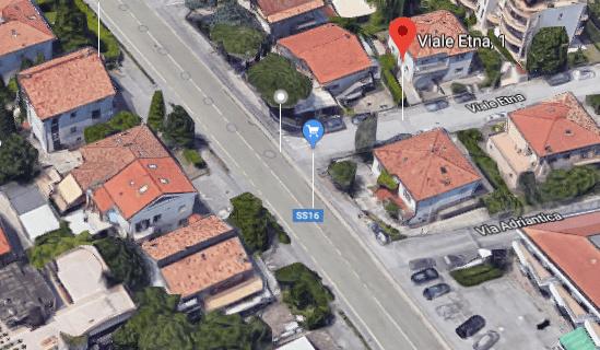 Un'isola salvagente per l'attraversamento SS16 da via Etna