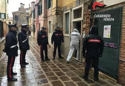 Cadavere trovato in casa a Venezia da sette anni, sarebbe di professore riminese