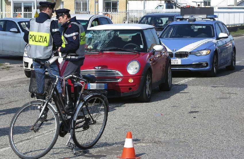 Investimento sulla Flaminia, Anziano ciclista al Bufalini