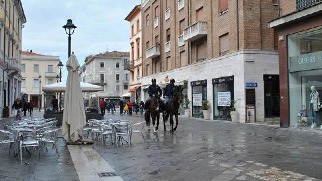 Polizia, i controlli del primo fine settimana turistico