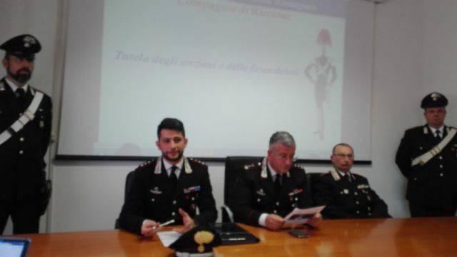 Entra in casa di anziana con una scusa e ruba soldi e preziosi, arrestato dai Carabinieri