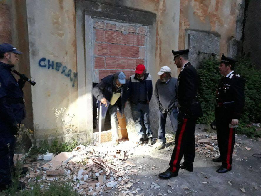 Controlli dei Carabinieri nelle ex colonie di Bellaria, tre persone in bivacco precario