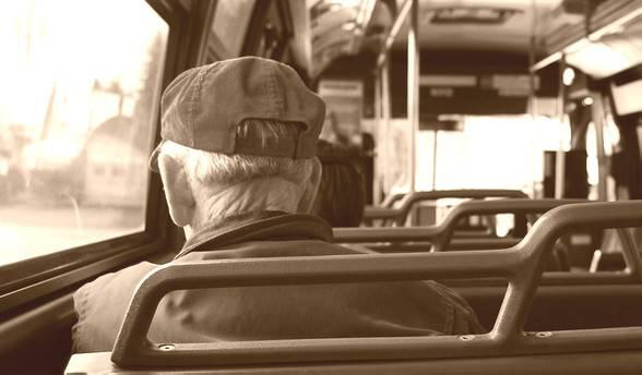Trasporti agevolati per anziani, accordo Comune-Sindacati