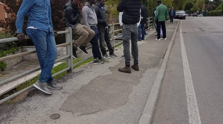 Cadavere di un giovane in via Coletti