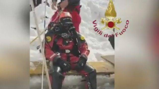 Valanga in Val d'Aosta su comitiva romagnola, due morti