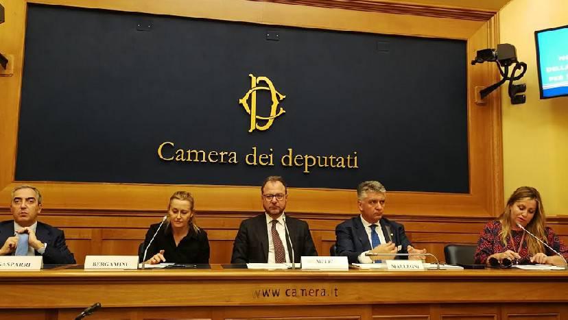 A bando i beni, non i servizi. Forza Italia presenta DDL su concessioni demaniali