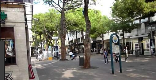 Decoro urbano, verbali e sanzioni della Polizia Municipale in viale Dante