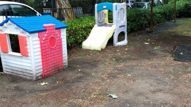 Isola Blu, la controreplica dei genitori all'Amministrazione