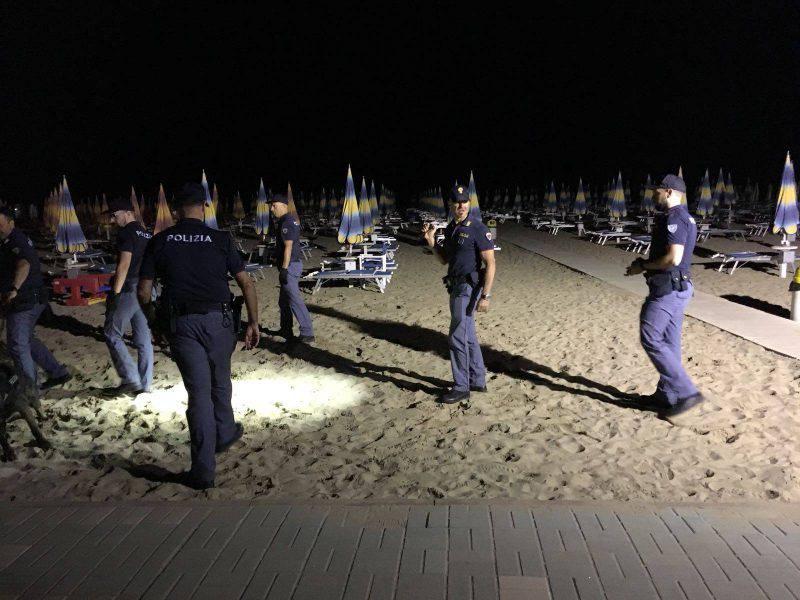 Mancata illuminazione in spiaggia. tre stabilimenti sanzionati