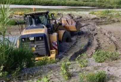 l'escavatore impantanato
