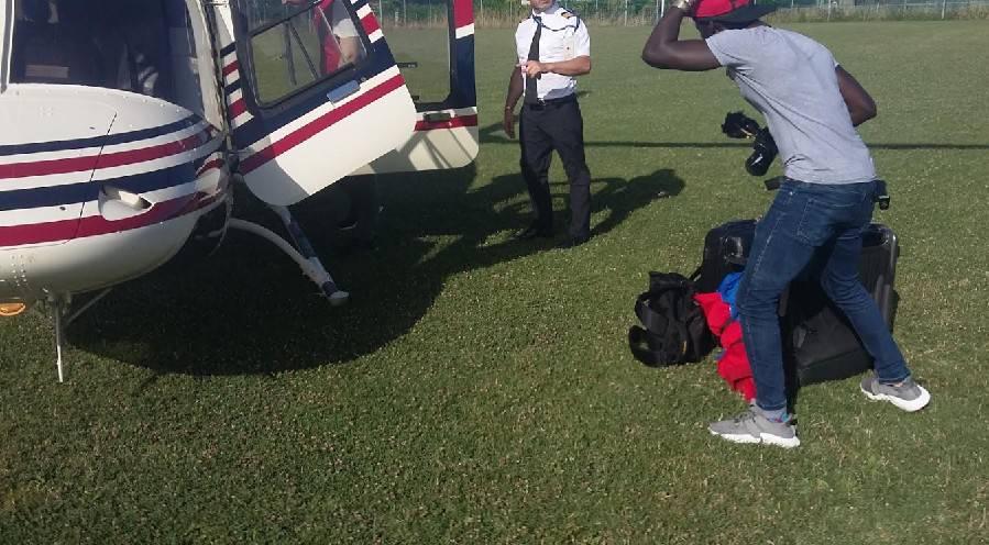 Elicottero privato durante finale di torneo giovanile: società inferocita