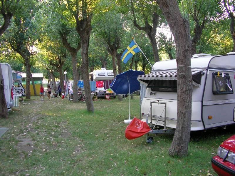 Il Camping Maximum ai clienti: si chiude per sempre