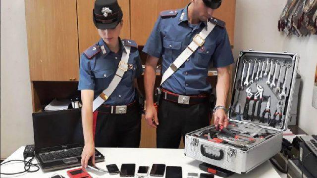 Minaccia i Carabinieri con bombola del gas, arrestato all'ex colonia