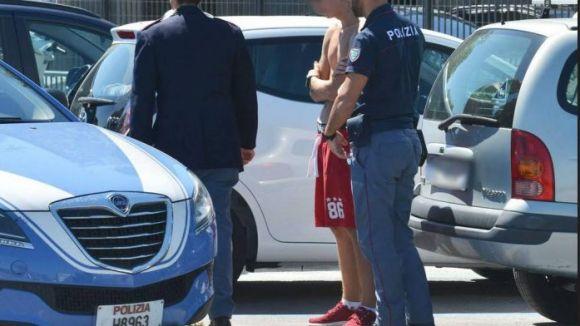 Blitz polizia a Borgo Marina: un arresto, sette denunce, droga sotto le auto