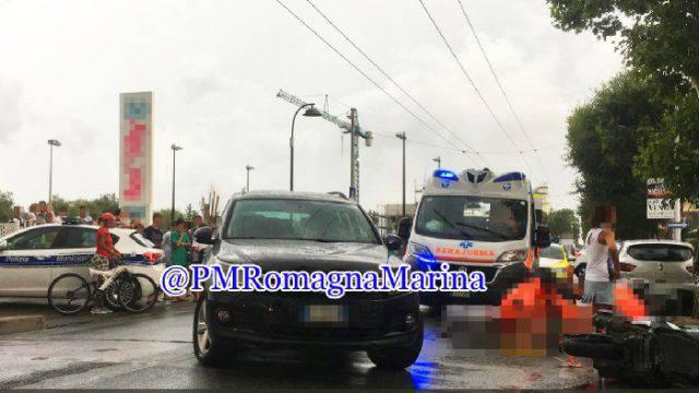 Incidente in viale D'Annunzio a Riccione, limitazioni al traffico