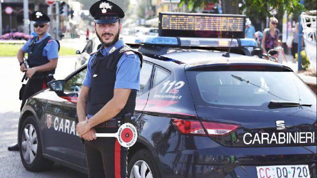 Venditore di rose arrestato con l'accusa di stupro su ragazza danese