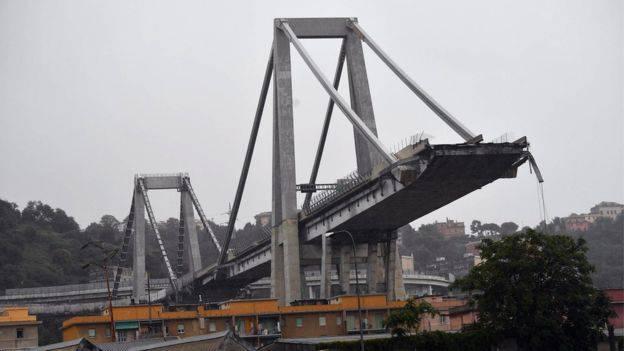 Il Comune di Rimini aderisce al lutto per Genova, sabato niente fuochi
