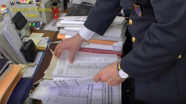 Sequestri per 550.000 euro a personaggi dell'operazione