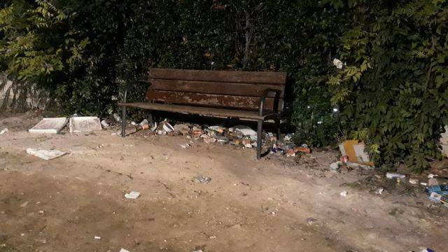 La segnalazione da Riccione: degrado in piazza San Lorenzo