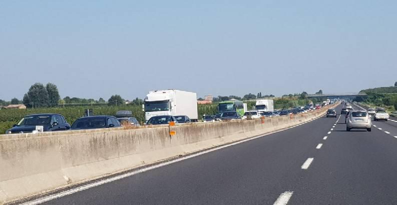 In A14 comincia il traffico dei rientri