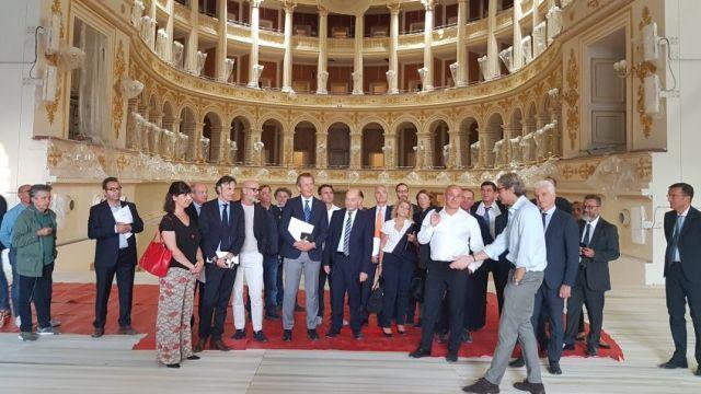 Gli imprenditori di Confindustria visitano il teatro Galli