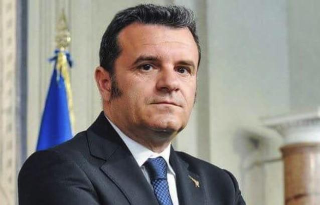Il ministro Centianio per l'inaugurazione delle fiere del turismo