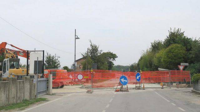 Via Tosi a Santarcangelo torna a doppio senso