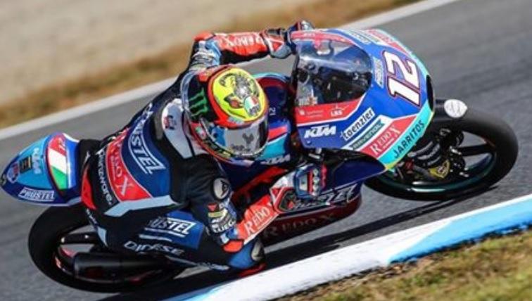 Moto3, mondiale riaperto. Bezzecchi vince e avvicina Martin