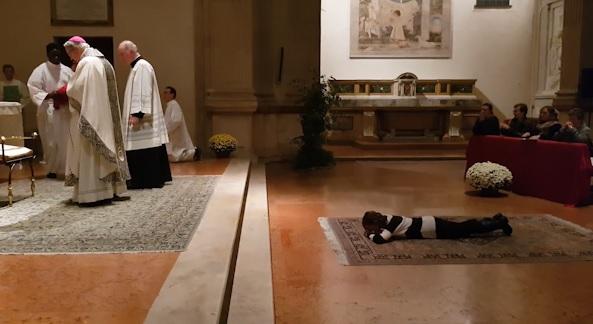 In Basilica la consacrazione di Gennj nell'Ordo Virginum