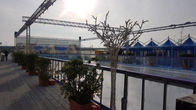 Volteggi sul ghiaccio e musica rap a Romagna Shopping Valley