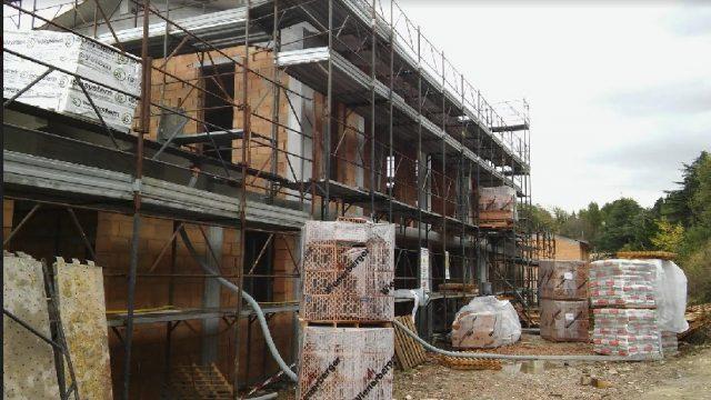 Seuqestrato cantiere abusivo in zona vincolata a Covignano