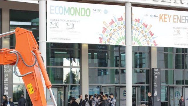 Il ministro Costa all'paertura di Ecomondo