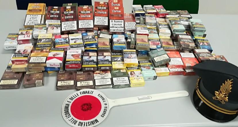 Vendita con autorizzazione scaduta, sequestrate sigarette