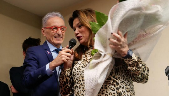 Samorani si presenta con Serena Grandi testimonial