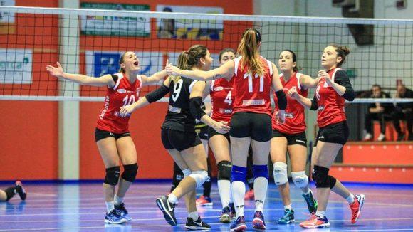 Le ragazze dell'Emanuel Riviera Volley Rimini