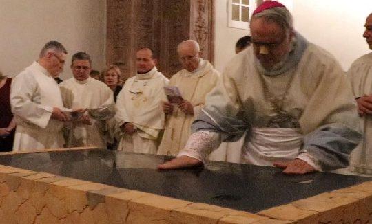 Dall'ospedale alla Colonnella. Il Vescovo inaugura l'altare
