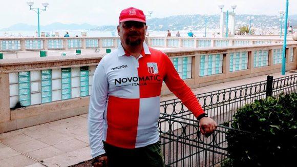 Stefano Giacomini con la maglia del suo amato Rimini