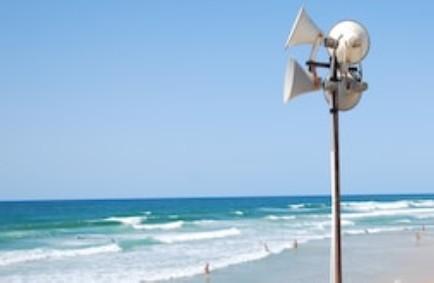 Diffusione sonora in spiaggia, le Regione non può vietare
