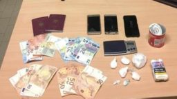 Cocaina nel residence, arrestati giovani spacciatori