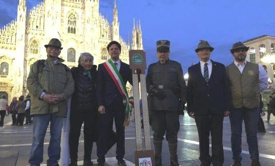 Adunata Alpini. Il passaggio della stecca tra Milano e Rimini